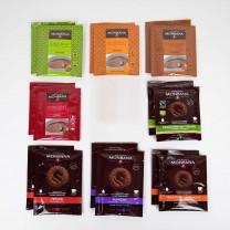 MONBANA - 16 x Trinkschokolade Sachets (8 Sorten, je 2 Sachets)