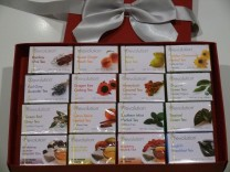 thokika gift box of Revolution Tea - 16 varieties