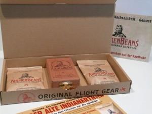 AirmenBeans Flightgear mit Holzkisterl+2 Pckg.Pastillen
