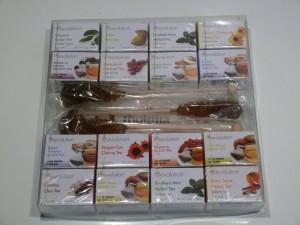 thokika gift box No.2 of Revolution Tea - 16 varieties