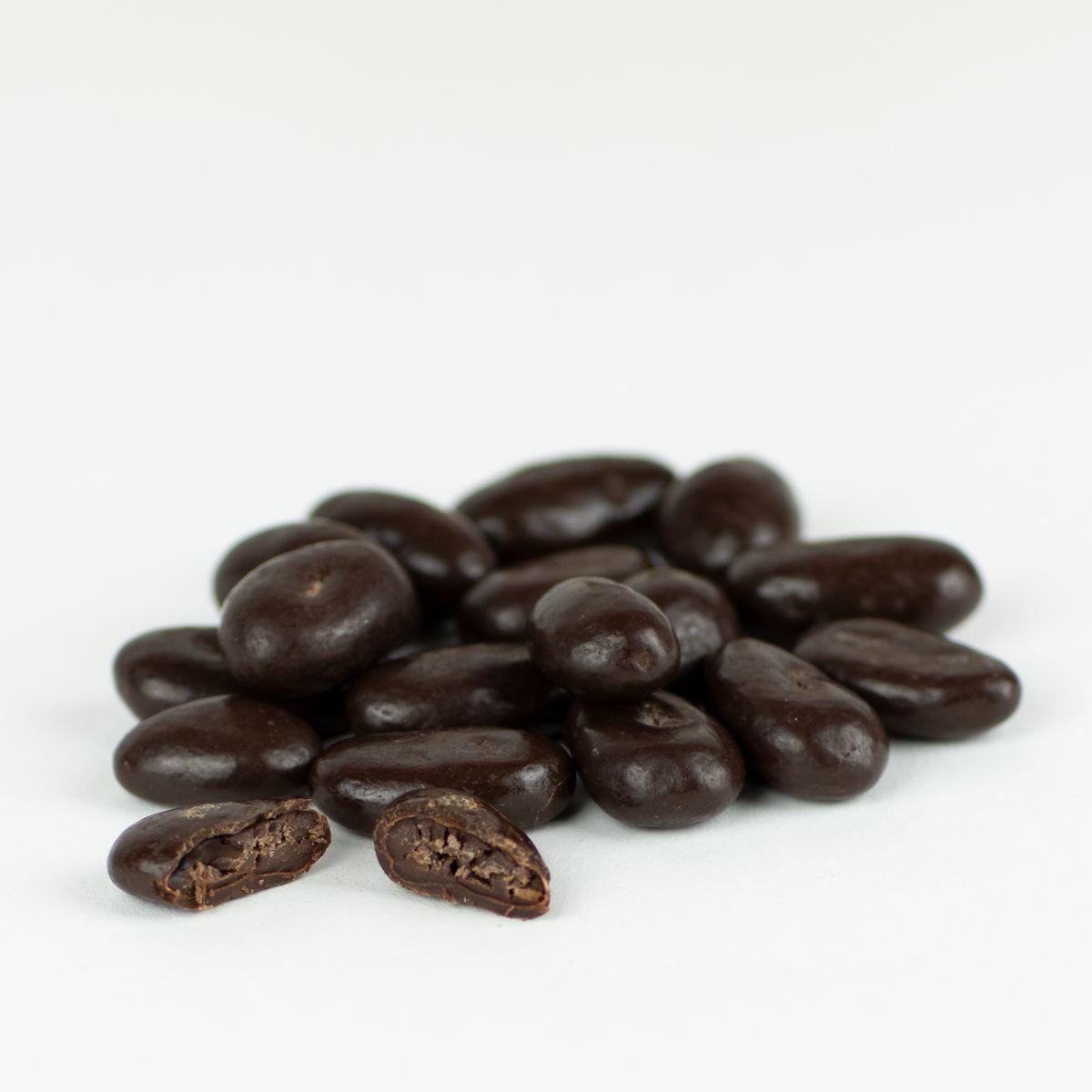 MHD 03/2020 - Kakaobohnen umhüllt von dunkler belgischer Schokolade, 150 Gramm